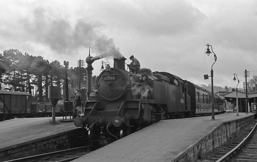 82044, Yeovil Pen Mill, April14, 1964.
