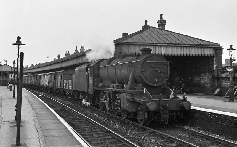 48702, eastbound freight, Northwich, August 14, 1964.