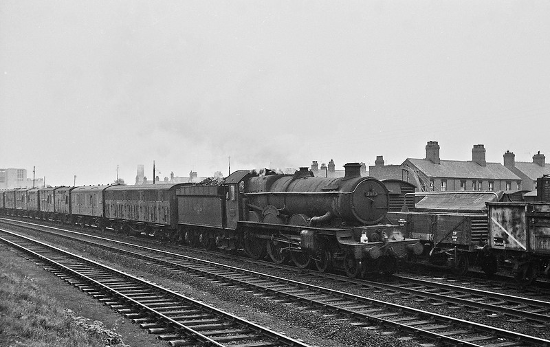7012 Barry Castle, westbound parcels, Wrexham, August 14, 1964.