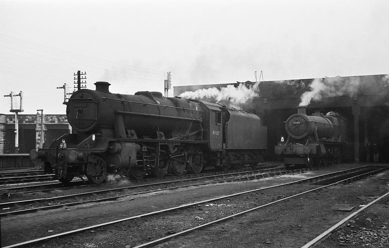 48667 and 6980 Llanrumney Hall, Mold Junction Shed,  August 14, 1964. Modified Hall's nameplates removed.