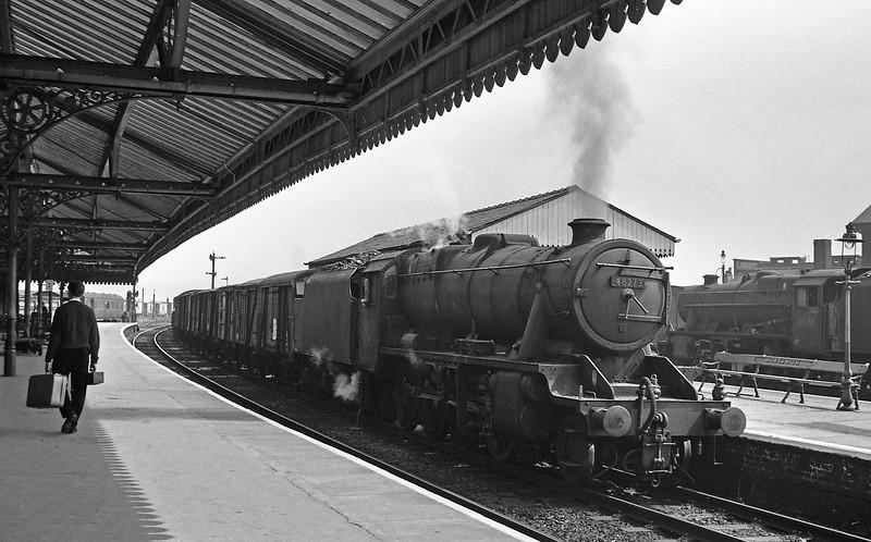 48273, westbound freight, Northwich, August 14, 1964.