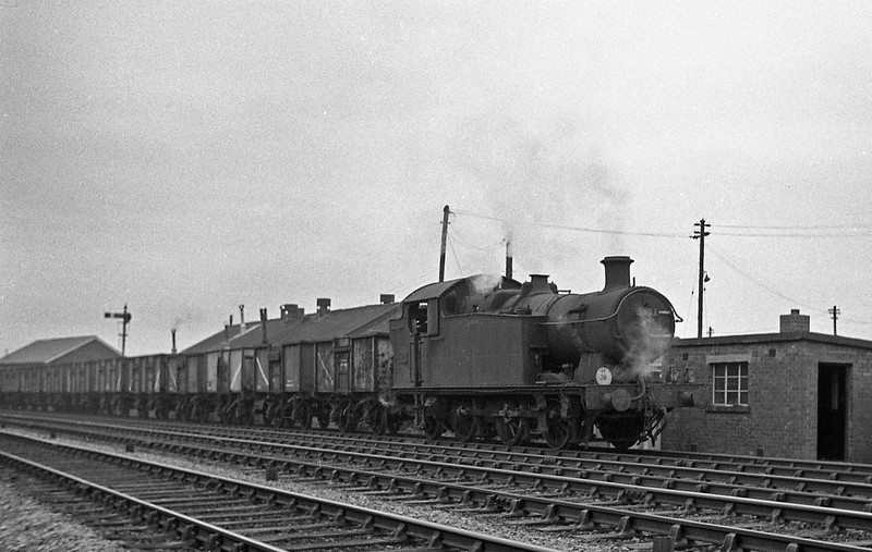 5673, down coal empties, Radyr, January 1, 1964.