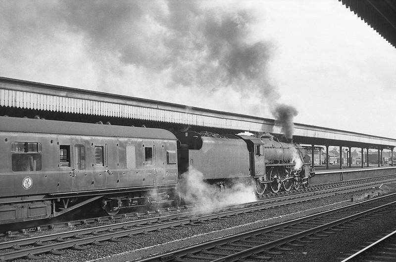 44906, down passenger, Rhyl, August 5, 1964.