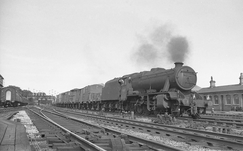 48662, down freight, Rhyl, August 5, 1965.