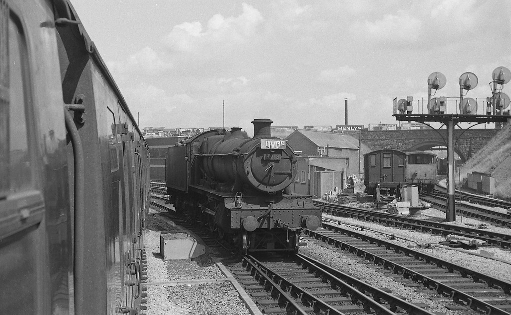 6918 Sandon  Hall,  Bristol Temple Meads, July 31, 1965. Nameplates removed.