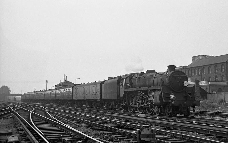 73065, up passenger, Eastleigh, August 18, 1966.