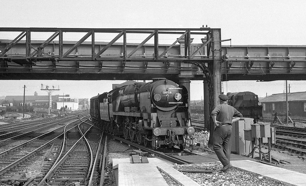 34108 Wincanton, down, Eastleigh, August 18, 1966.