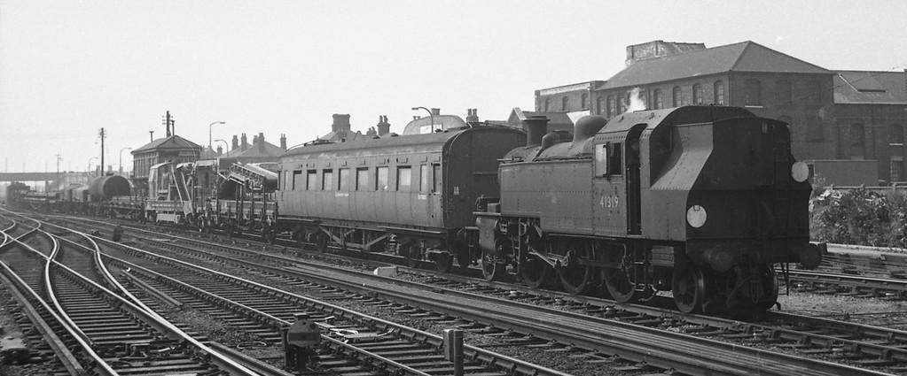41319, up departmental, Eastleigh, August 18, 1966.