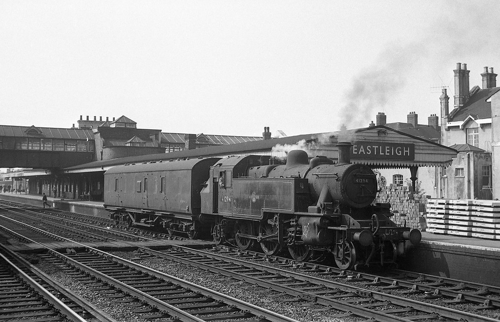 41294, up van, Eastleigh, August 18, 1966.