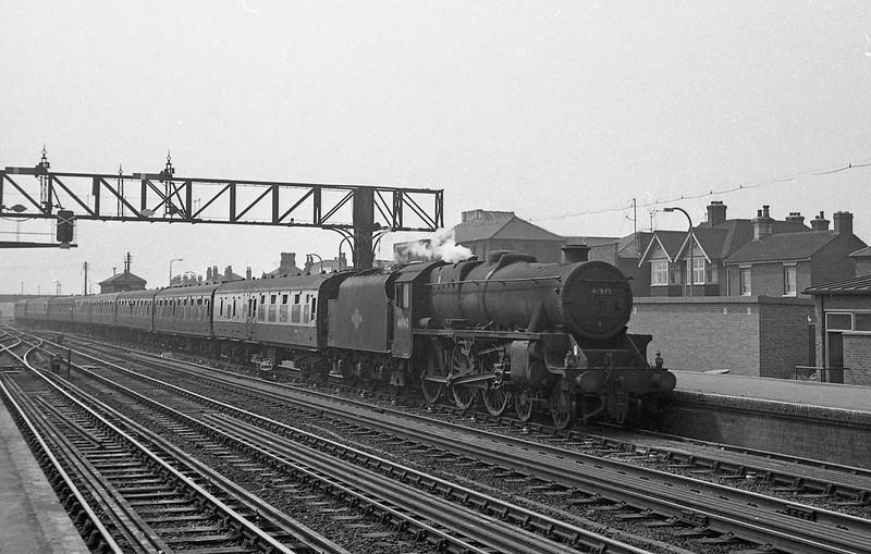 44942, up passenger, Eastleigh, August 18, 1966.