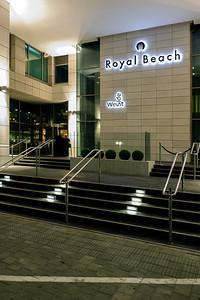 צילום מוצר: שילוט במלון רויאל ביץ' תל-אביב בעיצוב בסמן-טננבאום