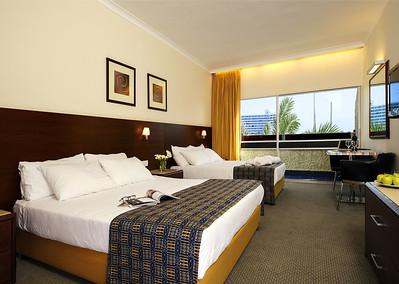 צילום אדריכלות: מלון קיסר בטבריה עבור רשת מלונות קיסר צילום אדריכלות: הבריכה החדשה במלון קיסר טבריה. צולם עבור רשת מלונות קיסר