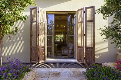 צילום מוצר אדריכלי: תריסים של הנגר גיא רז
