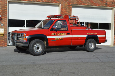 Brush 1 from Berryville is a 1989 Chevrolet Cheyenne 3500/Wajax Pacific equipped with a 35/200.