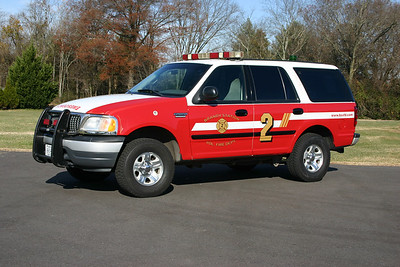 Car 12 is a 2000 Ford Expedition 4×4.