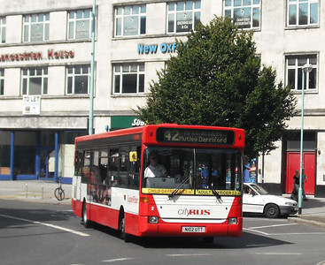 2 - N102UTT - Plymouth (Derry's Cross) - 11.8.09