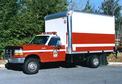 Unknown Fairfax County box truck, a 1995 Ford Super Duty/Supreme, Shop #6045.