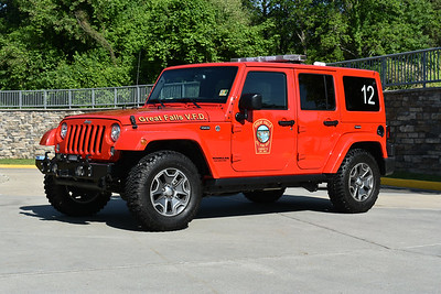 Utility 412 from Great Falls, VA in Fairfax County is a 2017 Jeep Wrangler Unlimited.