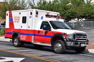 Great Falls Ambulance 412B, a 2006 Ford F-450 4x4/Horton.