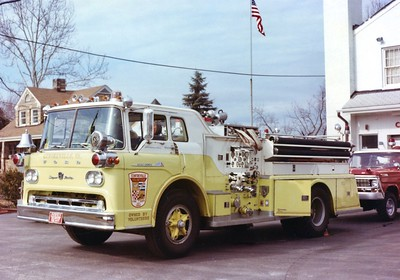 Former Engine 17, a 1960 Ford C/Young, 750/500, Shop #V99.  Sold to Red House, Virginia.