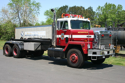 In 1989, the Platform on Demand (POD) system made its debut in Fairfax County.  This 1989 International was used to carry various POD's, including a Communications, Haz-mat, and this Technical Rescue unit.    Originally assigned to Merrifield FS 30.