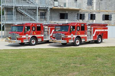 Group shot of E407B and E407.