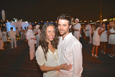 Cori Sue Morris, Harrison Suarez, The global phenomenon secret dinner party, Diner en Blanc, attracted over 1,300 guests all wearing white.  The Yards Park, Thursday, September 4, 2014.  Photo by Ben Droz