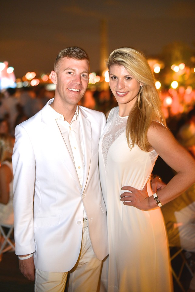 Rich Warner, Rachel Hesling, The global phenomenon secret dinner party, Diner en Blanc, attracted over 1,300 guests all wearing white.  The Yards Park, Thursday, September 4, 2014.  Photo by Ben Droz