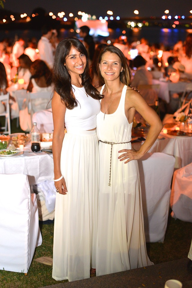 Smita Satiani, Lauren Hersh, The global phenomenon secret dinner party, Diner en Blanc, attracted over 1,300 guests all wearing white.  The Yards Park, Thursday, September 4, 2014.  Photo by Ben Droz