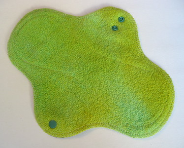 "ONE Regular Flow Wrap Wing Pad - hemp fleece - ""lime"""
