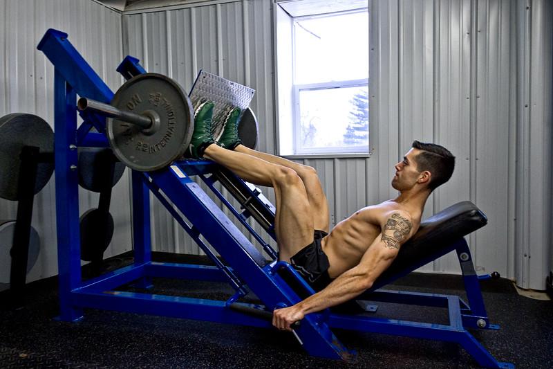 Mike Senatore doing leg presses