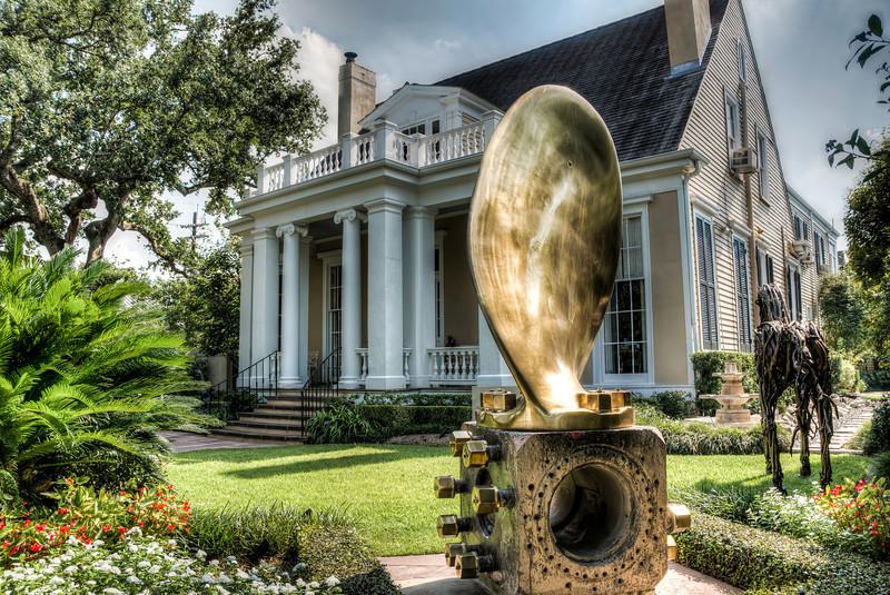 house-statue-art-1