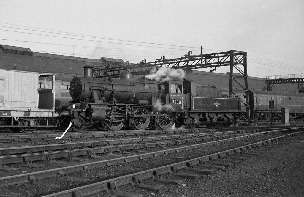78031, shunting, Crewe Station.
