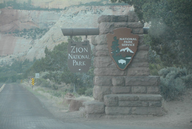 _0005114 Sign Zion Canyon
