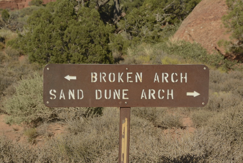_0006267 Sign Sand Dune Arch