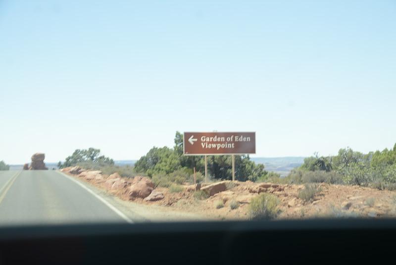 _0006115 Sign Garden of Eden