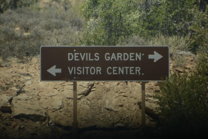 _0006159 Sign Devils Garden