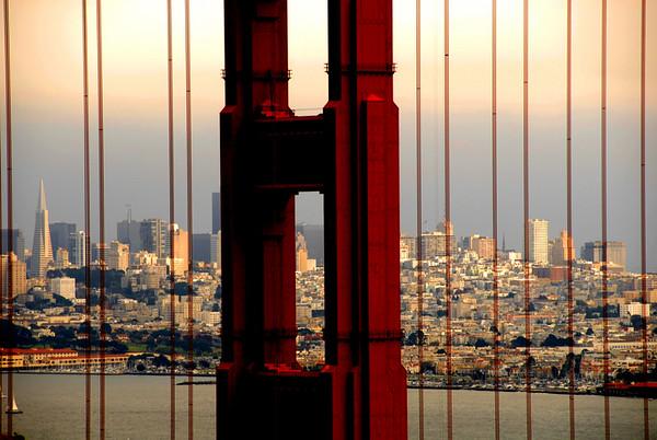 Gateway to the Pacific Golden Gate Bridge