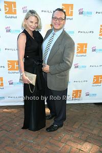 Artist Suzanne LeFleurr and David Grossman photo by Rob Rich/SocietyAllure.com copyright 2014 516-676-3939 robwayne1@aol.com