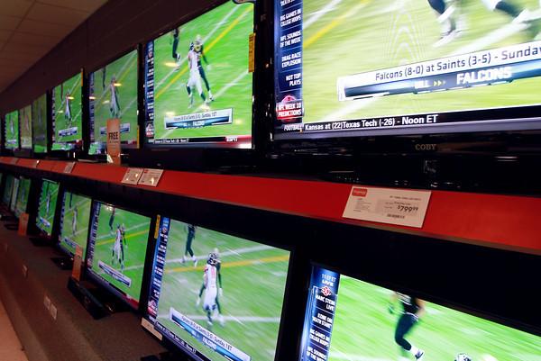 11-9-12<br /> HH Gregg TV's<br /> <br /> KT photo | Kelly Lafferty