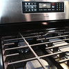 2-7-13<br /> Heartland Kitchen appliances<br /> Samsung gas range<br /> KT photo | Kelly Lafferty