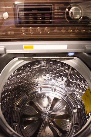 2-7-13<br /> Heartland Kitchen appliances<br /> LG top load washer<br /> KT photo | Kelly Lafferty