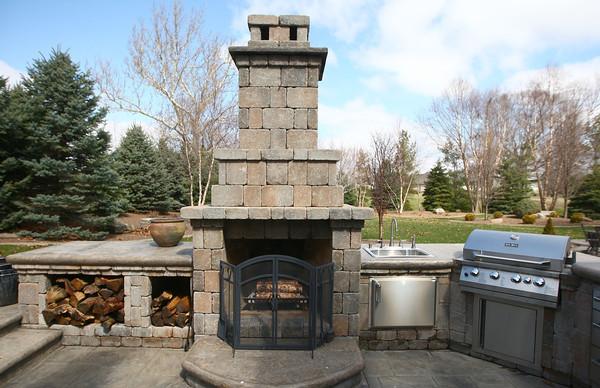 4-5-14<br /> Rick Eltzeroth's outdoor kitchen for the Heartland magazine<br /> <br /> Kelly Lafferty | Kokomo Tribune