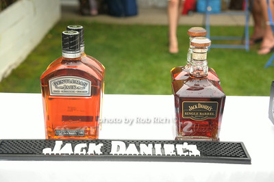 Jack Daniels photo by Rob Rich/SocietyAllure.com © 2014 robwayne1@aol.com 516-676-3939