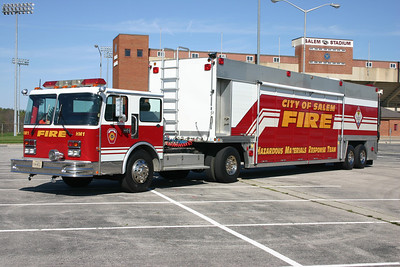 HAZMAT 1 is perhaps the largest fire truck in Virginia.  This 1988 Spartan Monarch/1990 Hesse-Fontaine.  44' long trailer, total length of 66'.  ex- Wayne Township, Indiana Support 81.