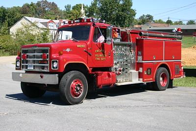 Former Wagon 4, now a County Reserve unit, a 1987 International S2500/Grumman Wild Cat, 1000/1000, s/n 17817.