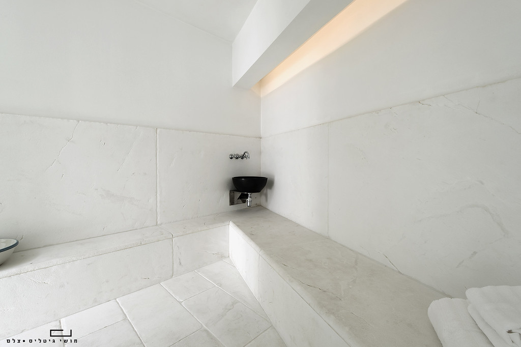 בית באזור המרכז. אדריכלות ועיצוב פנים: ג'וליה דרמון