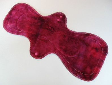 "ONE MegaMax Pad for SUPER Heavy Flow & Postpartum - ""crimson"""