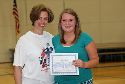 Senior advisor Amy Notch presented Amy Jendro the Jim Asfeld School Advocate Award.