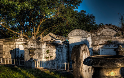lafayette-cemetery-markers-4